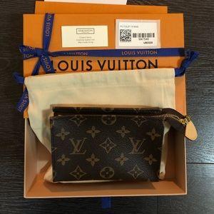 Authentic new Louis Vuitton Toiletry Pouch 15